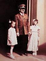 c.-Helnwein-et-le-nazisme
